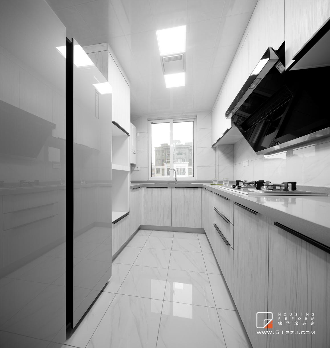 紫金铭苑老房翻新-125平米-现代简约装修-两室两厅-现代简约